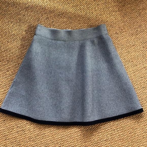 9b5ecb139a Club Monaco Dresses & Skirts - Club Monaco Blue Elastic Waist Skirt Size  Small
